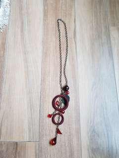 Fashion necklace.