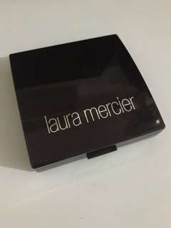 Laura Mercier碎粉餅