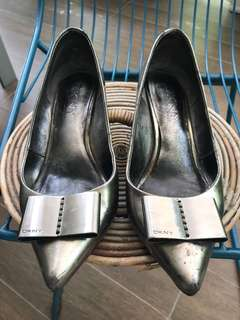 Authentic DKNY metallic silver leather shoes
