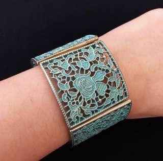 Forever21 Green Floral Bracelet