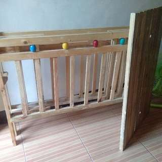 Wooden crib good as new