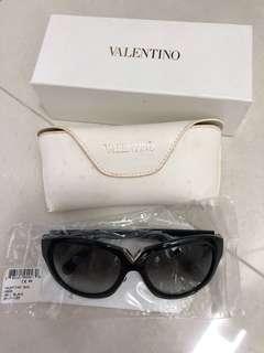 Valentino Sunglass