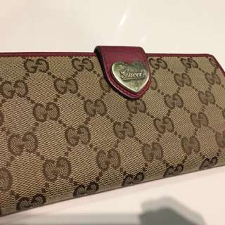 Gucci Wallet (AUTHENTIC) with original receipt