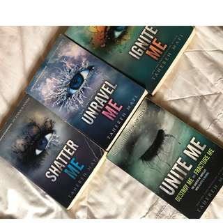 Shatter Me Trilogy - Tahereh Mafi