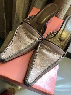 🚚 F-A 尖頭小羊皮後空跟鞋 尺寸70 高鮈6cm