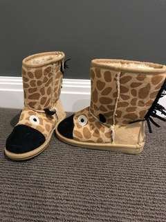 Unisex  ugg boots (slippers)