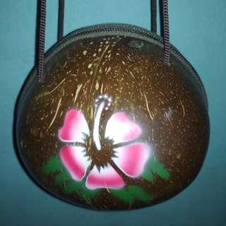 Tas batok kelapa