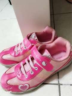 Hello Kitty Girl Walking Shoe