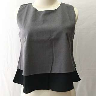 010. Kerokoo grey top