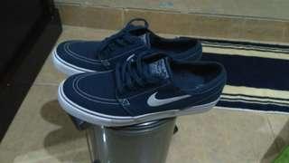 Nike sb stefan janoski dark blue