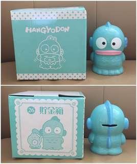 ** 分享 ** Sanrio Hangyodon 水怪 2010 年 陶瓷人形儲金箱 (50 週年紀念版)