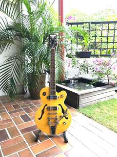 GORGEOUS Epiphone Wildkat Mint condition professionally setup electric guitar