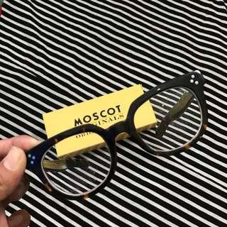 Frame Kacamata Moscot
