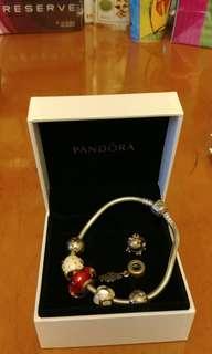 Pandora手鍊+5粒Charms