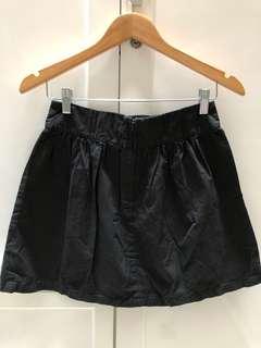 Rok hitam cotton on black skirt