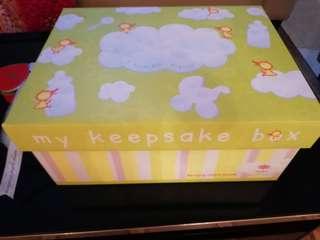 Noel Keepsake baby gift box