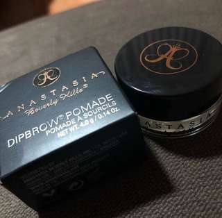 Anastasia Beverly Hills Dipbrow Pomade in Blonde