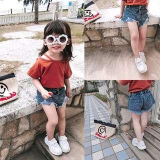 🚚 韓版 春夏新款 女童破壞感舒適不修邊牛仔短褲