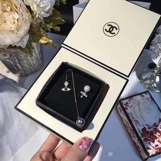 [Promotion] Buy 2 at $60. Swarovski earrings ear studs