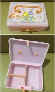 Sanrio Little Twin Stars 2003 年 有鎖膠手飾盒 (Made in Japan) 6 x 4.5 x 2.5 吋 (全新未用過) (** 只限北角地鐵站交收 **)