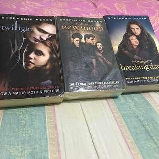 Twilight Series (bundle: 520 ; single: 180)