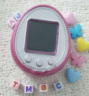 Tamagotchi 4u+ plus akia (with ezgotchi)