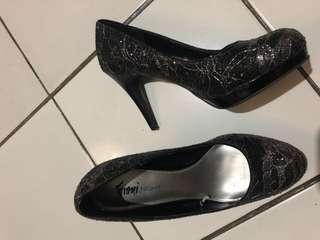 Fioni night size 37 1/2 baru dipake 3x warna black silver