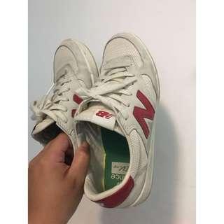 🚚 可小議價!二手正品 New balance CRT300 紅米 麂皮慢跑鞋 輕量鞋 走路鞋