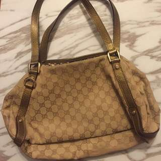 Gucci 手袋not lv
