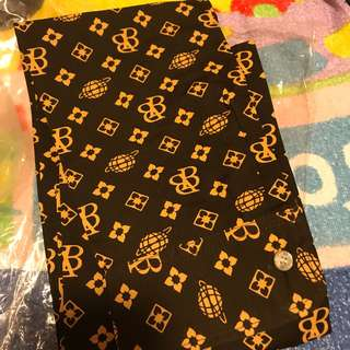 Brand boy scarf 恤衫款頸巾