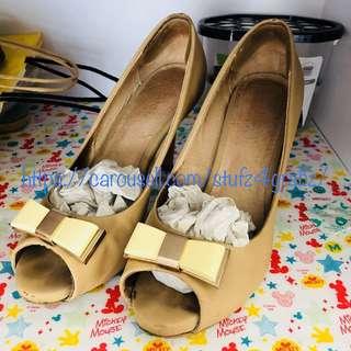 Pazzion High Heels in Beige Almond Size 39