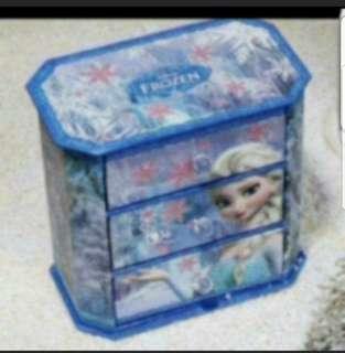 In Stock Disney Frozen Desktop Organiser With 3 Drawers Size is 17 × 17 × 10cm.