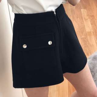 Chic Wool A-Line Size 6 High Waisted Black Shorts