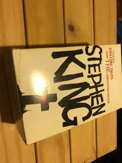 Stephen King Bookset - Pet Sematary, misery, Carrie