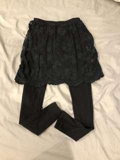 🚚 蕾絲裙擺內搭褲(有彈性)(黑)