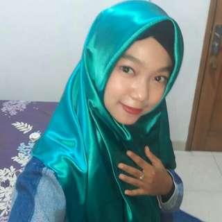Hijab Segiempat Velvet