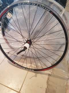 Wheelset Road 700c Novatech hubs made in Taiwan