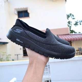 Skechers All Black