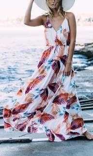 NEW! Floral flowy maxi dress