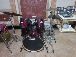 Pearl Maroon drum