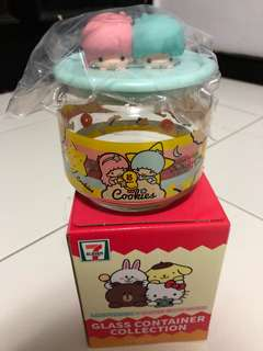 Line x Sanrio character glass container