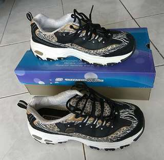 SKECHERS D'LITES - JUNGLE VENOM SPORT SHOES