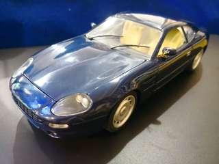 Aston Martin DB7 (1:18)