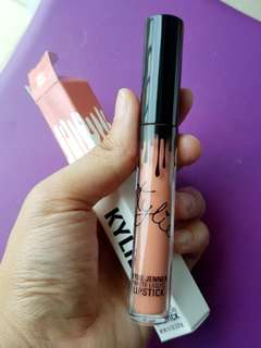 KYLIE MATTE LIQUID LIPSTICK - DIRTY PEACH (100% ORIGINAL)
