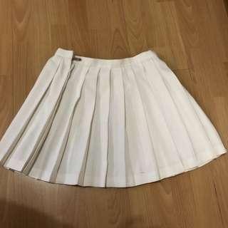 🚚 白色學生百褶裙