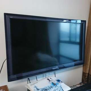 Panasonic 42吋電視(連座架及搖控)