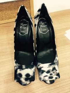 Roger Vivier high heels in grey and blue pattern