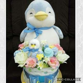 Baby diaper cake (in stock)