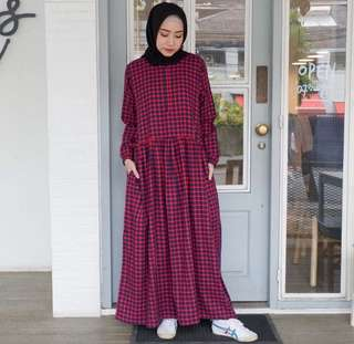 Malika dress flanel dari EMA.Daily