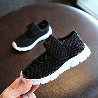 Sepatu import anak super ringan